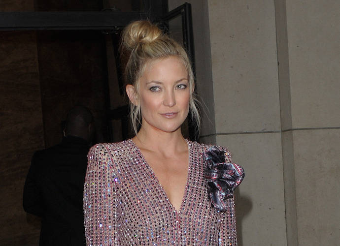 "Kate Hudson Gets Social Media Backlash For Calling C-Sections ""Lazy"""