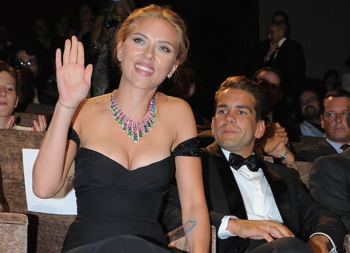 Scarlett Johansson Secretly Marries Romaine Dauriac