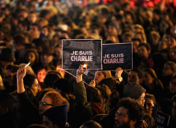 '#JeSuisCharlie' Trends On Twitter In Support Of 'Charlie Hebdo' Shooting Victims