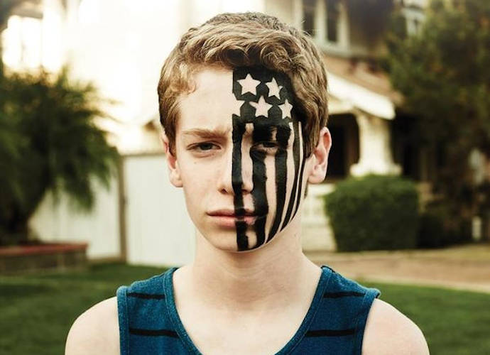 Fall Out Boy 'American Beauty/American Psycho' Review: A Good Way To Start 2015