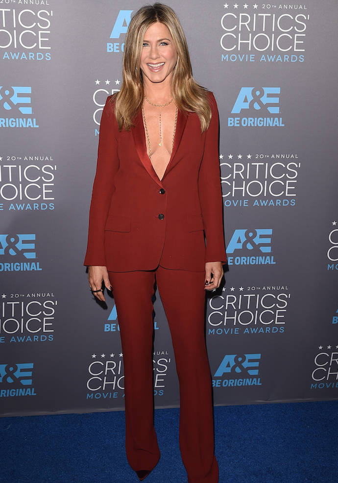 Jennifer Aniston Rocks Bold Suit To Critics Choice Awards
