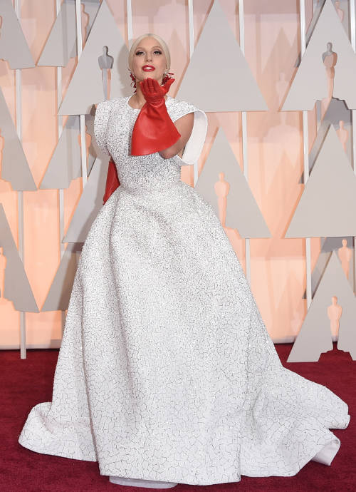 Get The Look: Lady Gaga's Azzedine Alaia Dress For Oscars 2015