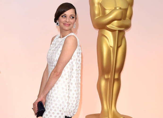 Marion Cotillard's Dior Gown Confuses At The Oscars