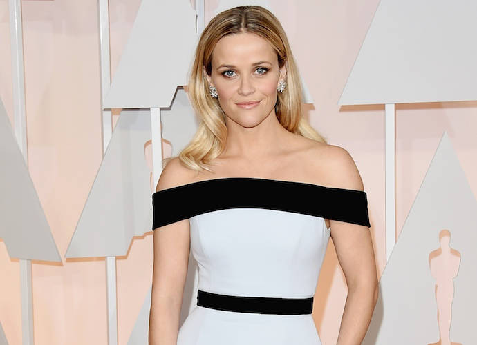Reese Witherspoon & Jennifer Anniston To Star In Second Apple Scripted Series