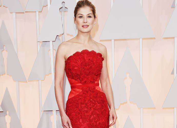 Get The Look: Rosamund Pike's Givenchy Haute Couture Oscars 2015 Gown