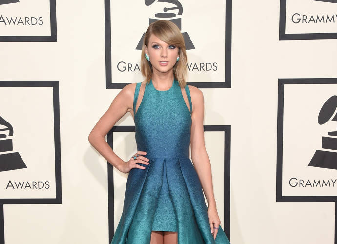 Get The Look: Taylor Swift's 2015 Grammy Outfit
