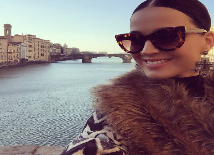 Katy Perry's Shows Her Funny Side In Italy