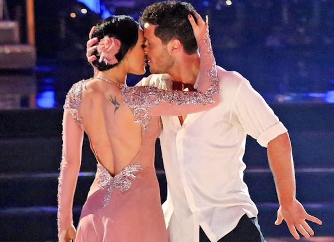 'Dancing With The Stars' Finals Recap: Riker Lynch, Rumer Willis & Noah Galloway Vie For Mirror Ball