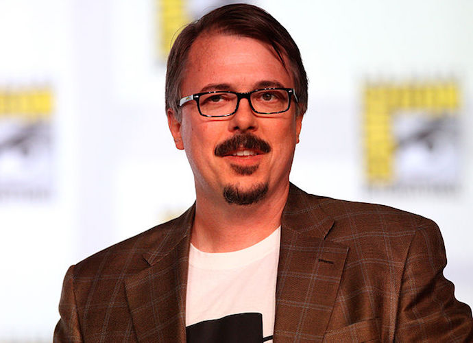 Vince Gilligan Wants 'Breaking Bad' Fans To Stop Throwing Pizza On House In Series