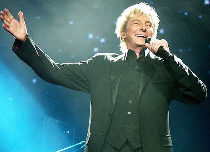 Barry Manilow Health Update: Singer Cancels Sold-Out Show At Westgate In Las Vegas Due To Bronchial Infection