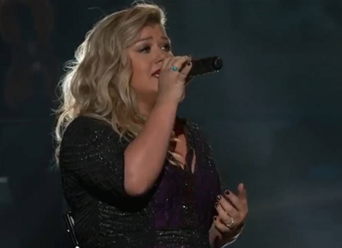 Kelly Clarkson Sued By Her Ex-Father-In-Law's Management Company For $1.4 Million