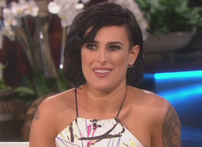 Rumer Willis Calls Out Photographers For Photoshopping Her Jawline