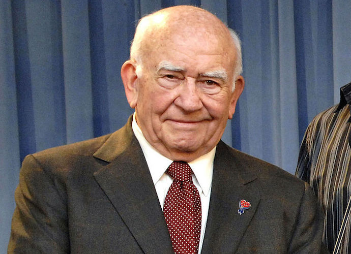 Ed Asner, 'Mary Tyler Moore Show' Star, Dies At 91
