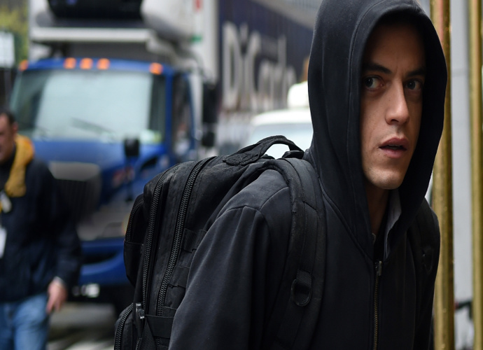 'Mr. Robot' Series Premiere Review: USA Introduces Bold, Timely Hacker Thriller