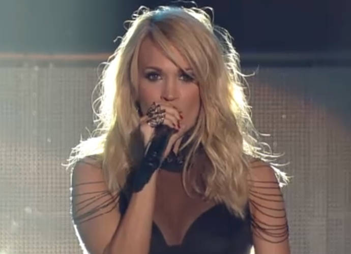 Carrie Underwood And Sam Hunt Mash Up 'Take Your Time' And 'Heartbeat' At The Grammys 2016