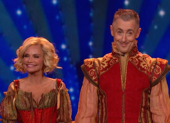 2015 Tony Awards Recap: Big Winners 'Fun Home' And 'Curious Incident' Earn 5 Awards Each