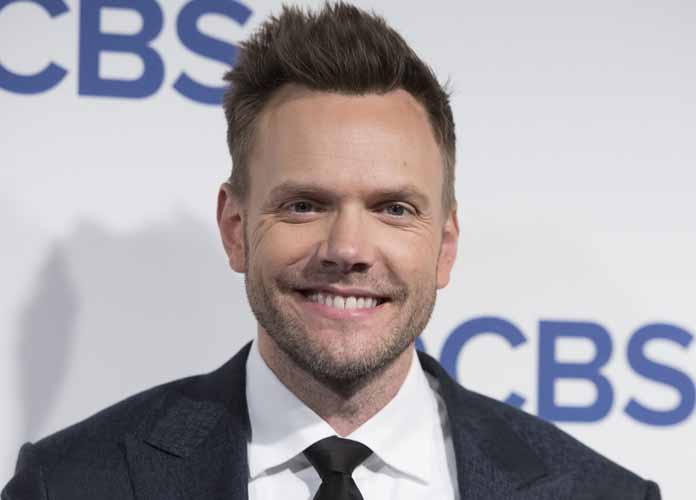 Joel McHale Calls Out Bill Cosby In ESPY's Monologue