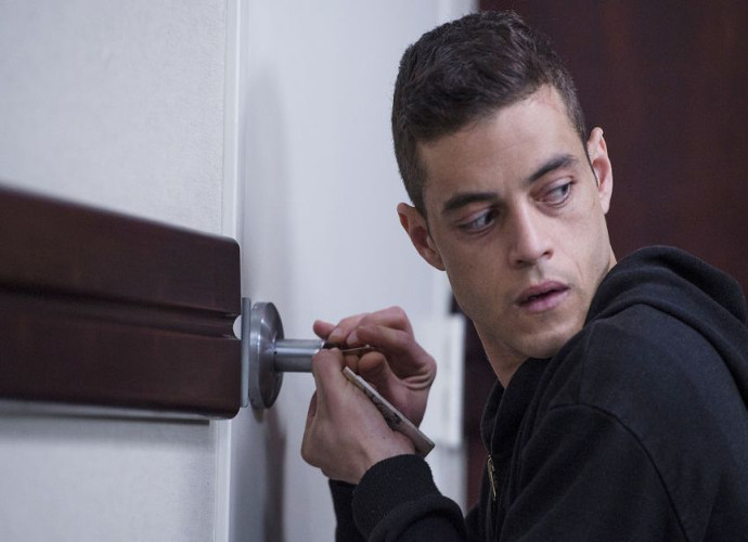 'Mr. Robot' Season 3 Premiere Recap: No One To Trust As Power Goes Out In New York City