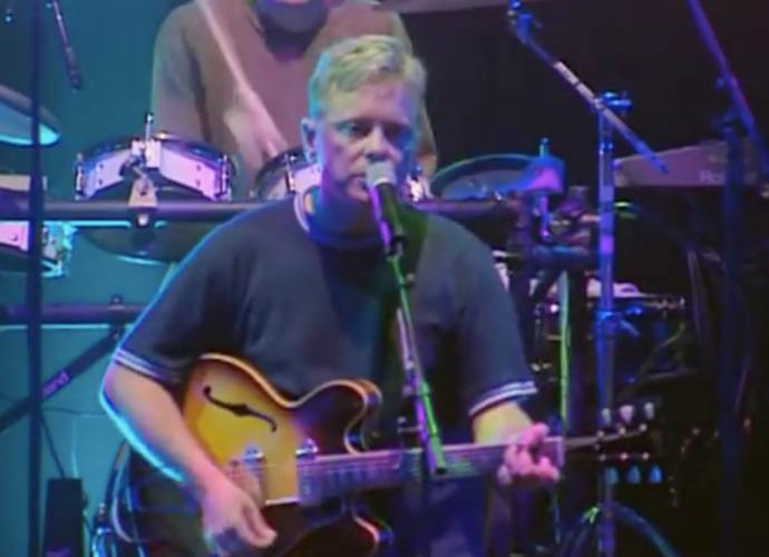 """New Order Releases New Single """"Restless,"""" Teases New Album 'Music Complete'"""
