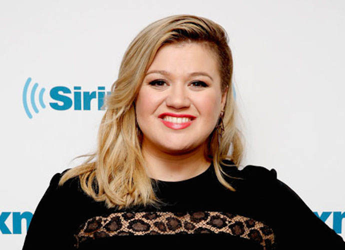 Kelly Clarkson Reveals A Hidden Secret On 'The Ellen DeGeneres Show'