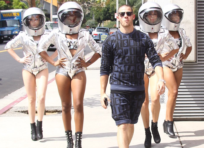 Nick Jonas Spills Album Details Over Twitter, Lead Single With Tove Lo
