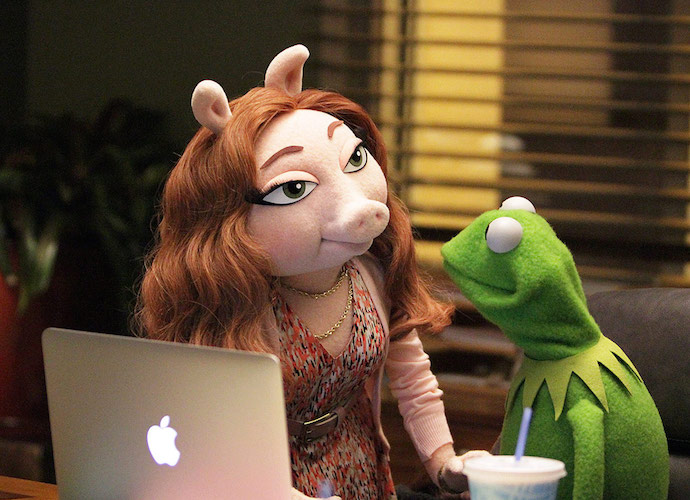 Has Kermit The Frog Moved On From Miss Piggy With A New Muppet Girlfriend Denise?