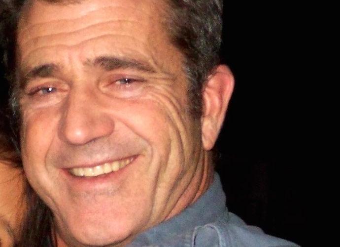 Mel Gibson Calls 'Batman Vs. Superman' A 'Piece Of S–t'