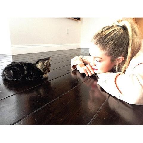 102715-cat-lady-3