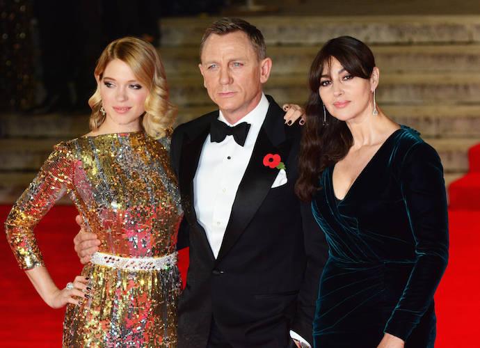 Daniel Craig Poses With Lea Seydoux And Monica Bellucci At 'Spectre' Premiere
