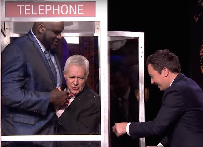 Hugh Jackman And Shaq Play 'Phone Booth' On 'The Tonight Show'