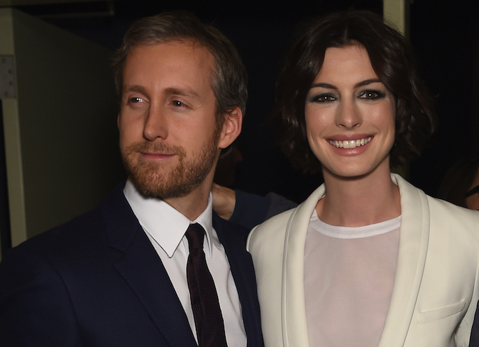 Anne Hathaway Pregnant With First Child With Husband Adam Schulman