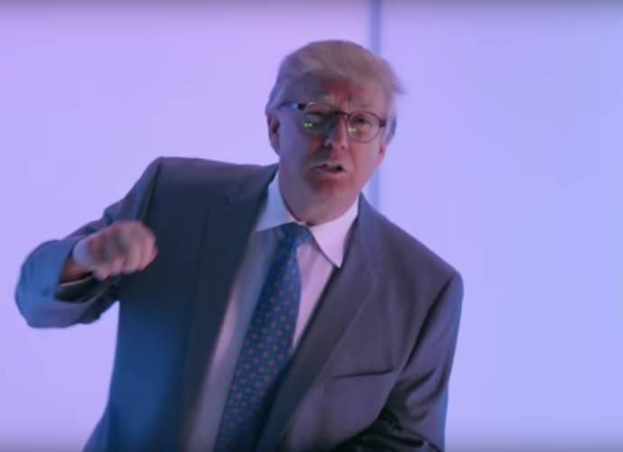Donald Trump Busts A Move In 'Saturday Night Live's 'Hotline Bling' Parody