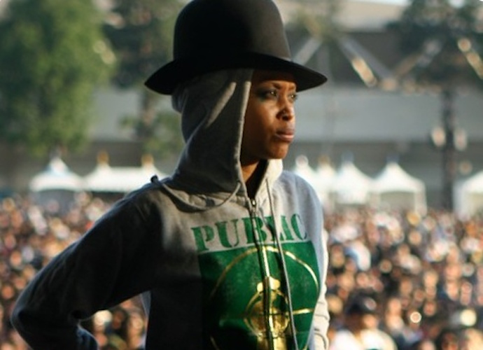 Erykah Badu Faces Backlash Over Comments About Bill Cosby & Adolf Hitler