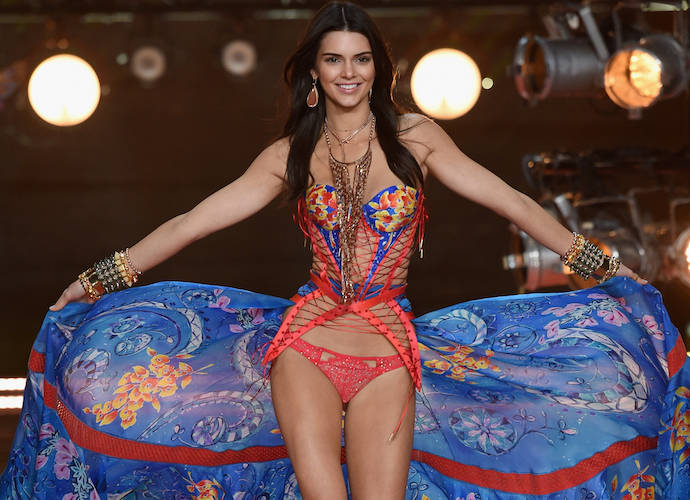 2015 Victoria's Secret Fashion Show: Kendall Jenner And Gigi Makes Their Debut In 2015 Show