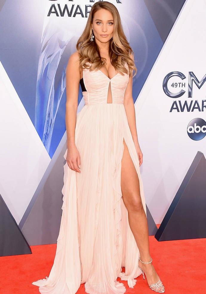 Hannah Davis Modeled J. Mendel On The CMA Awards Red Carpet