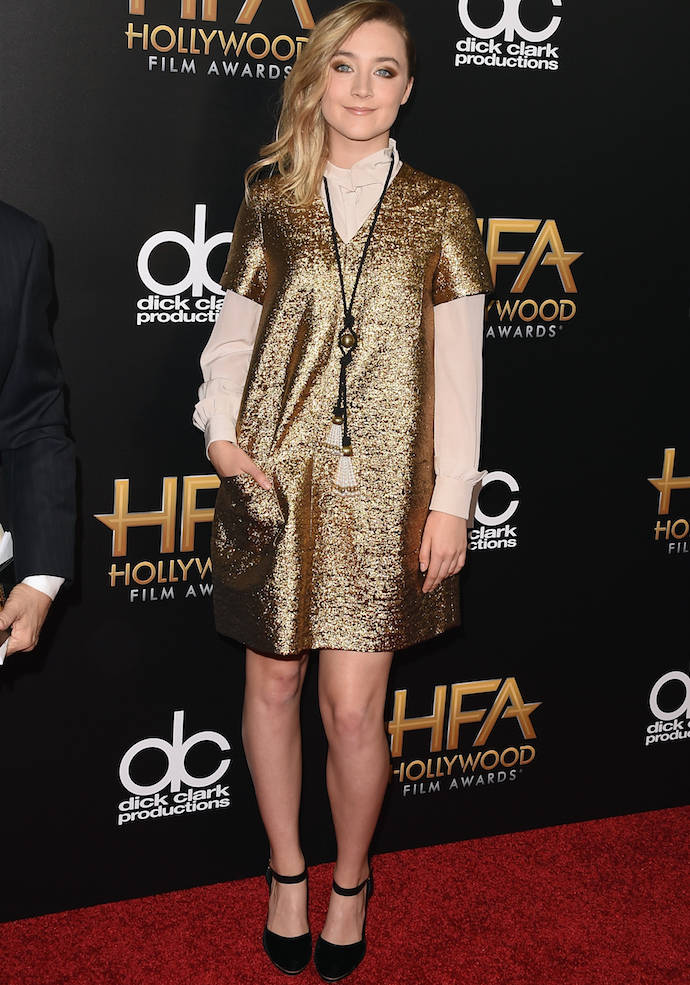Saoirse Ronan Stunned In Gold At Hollywood Film Awards