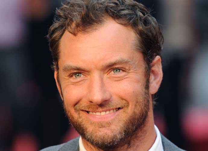 Jude law who is he dating 3