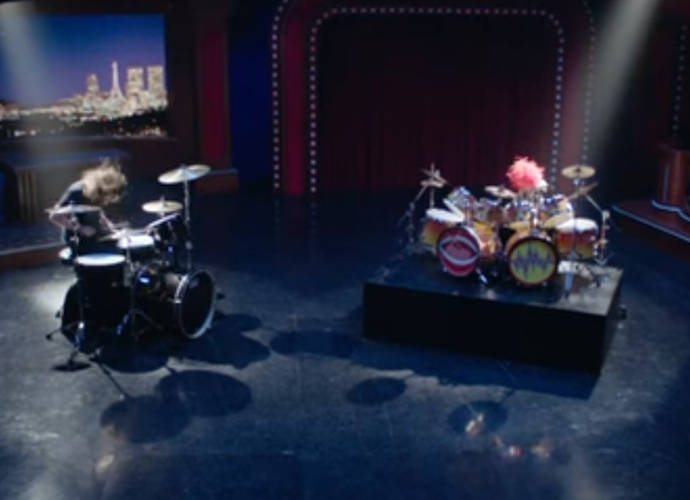 Dave Grohl Has Drum-Off With Animal On 'The Muppets'