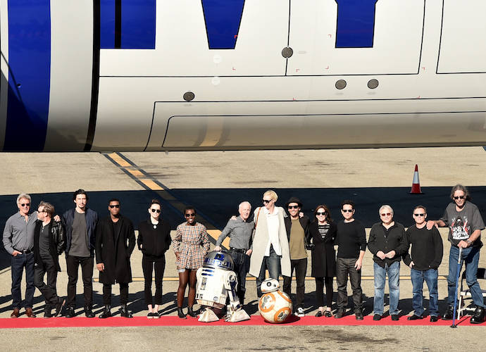 'Star Wars: The Force Awakens' Cast Pose With Custom R2-D2 Themed Plane