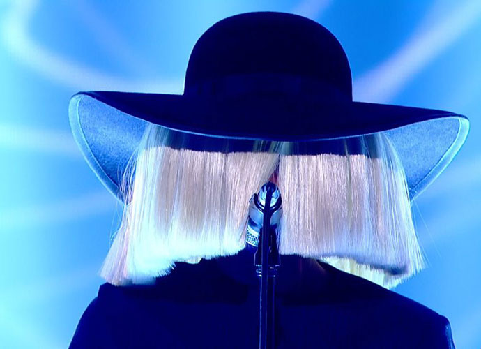 Did Sia Reveal Her Face On 'The Ellen Degeneres Show'?