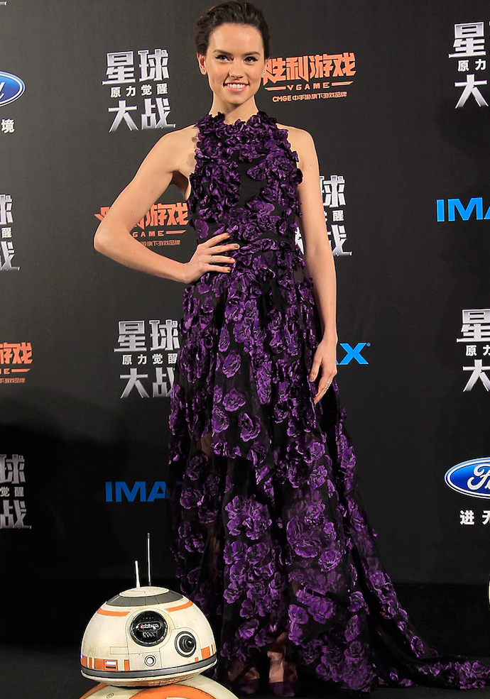 Daisy Ridley Stuns In Floral Gown At Shanghai 'Star Wars' Premiere