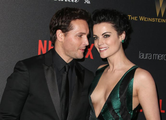 Jaimie Alexander And Fiancé Peter Facinelli Attend Golden Globes 2016 Together