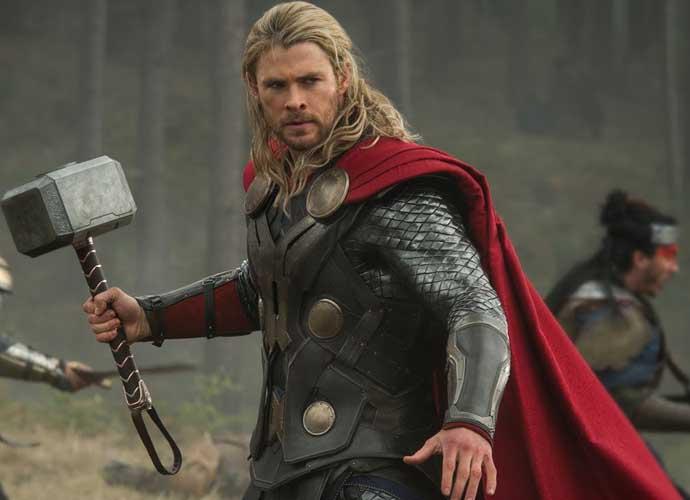 Thor Mjölnir: Allen Pan Built A Replica of Thor's Hammer In 'The Avengers'