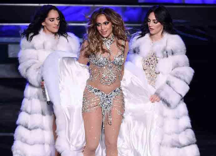 Jennifer Lopez Announces Dates For 'It's My Party' Tour [DATES & TICKET INFO]