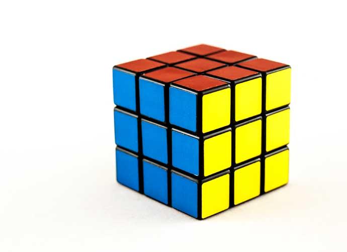 Robot Solves Rubik's Cube In 1.047 Seconds, Breaks ...