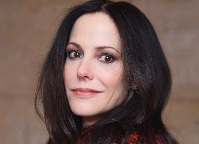Mary-Louise Parker's Nanny, Amanda Hoston-St. Louis, Charged For Stealing Thousands Of Dollars