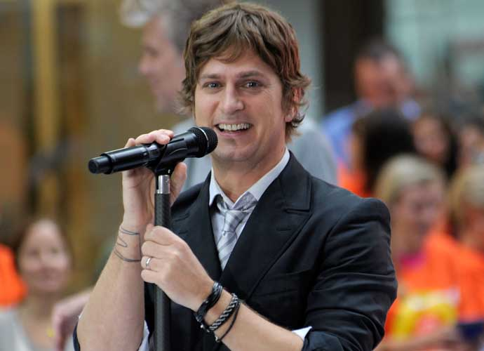 Rob Thomas Apologizes After Making Racist Joke In Australia