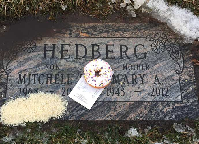 Fan Leaves Doughnut Birthday Present For Late Comedian Mitch Hedberg