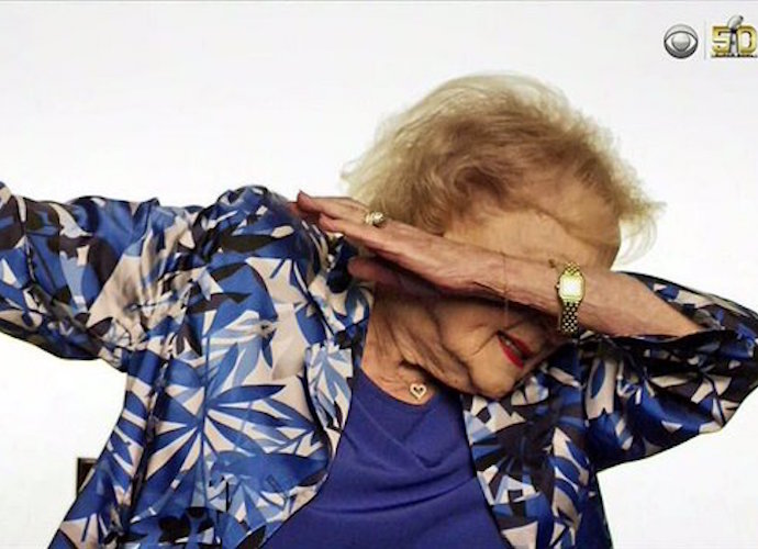 Betty White Says She Taught Cam Newton How To Dab