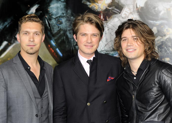 Hanson Says Covers Of 'MMMBop' Are All Wrong